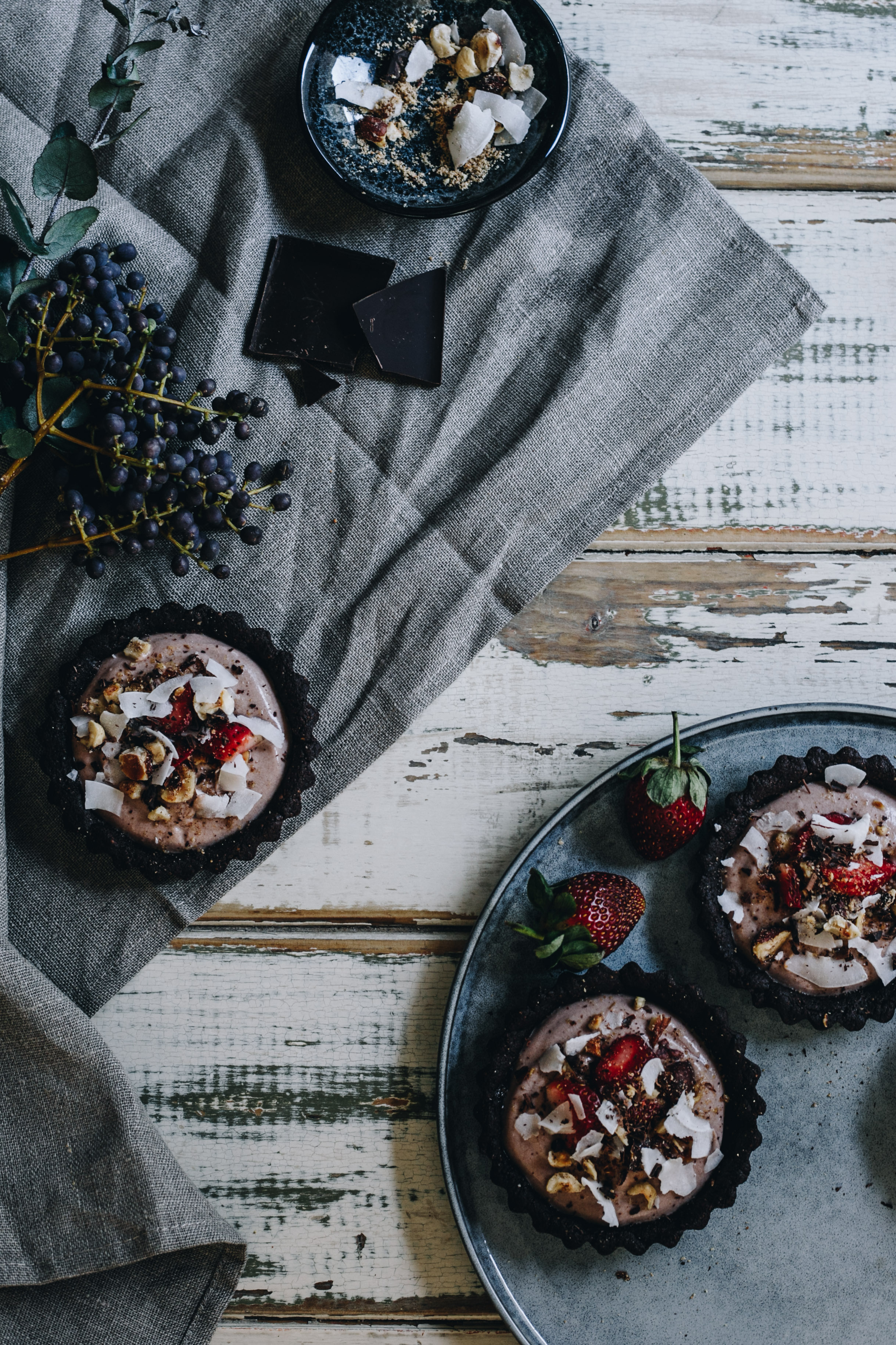 Vegan chocolate mousse tarts